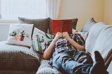 Do women and men choose books differently? Blog post by Fiona Stocker
